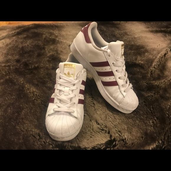 Le Adidas Rosso A Strisce Poshmark